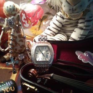 August Jaccard Pave Crystal Bezel Designer Watch